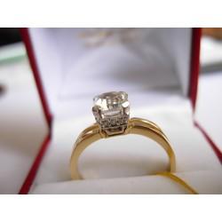 Złoty pierścionek z cyrkoniami. id: 148