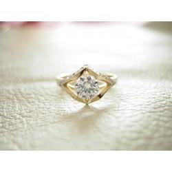 Złoty pierścionek z cyrkoniami id: 160